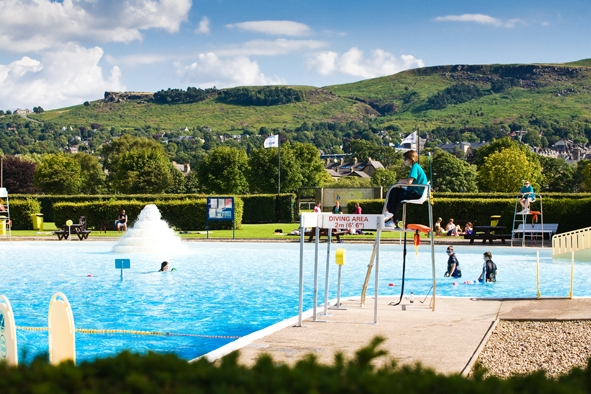 Vagabonds breakfast club presents pool bbq party at ilkley lido the cv for Swimming pools leeds city centre