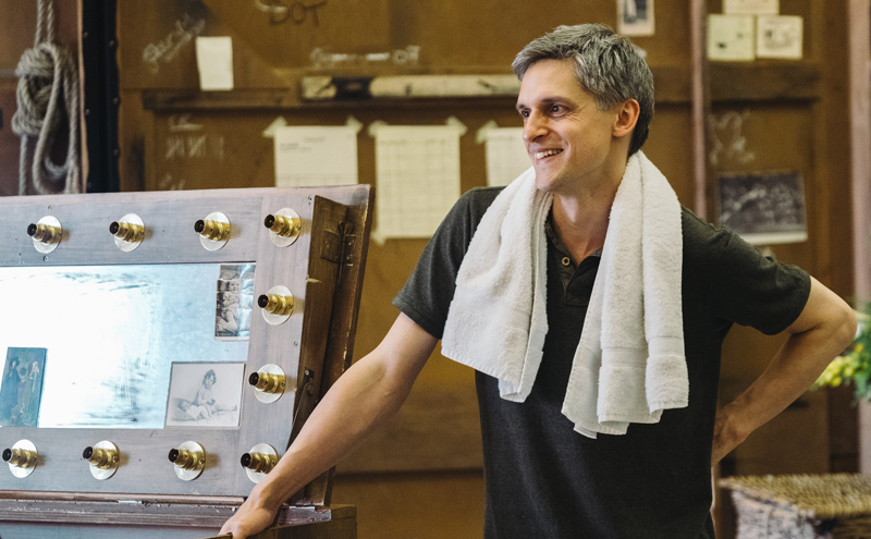 Quirijn de Lang in rehearsal as Fred (Photo: Tom Arber)