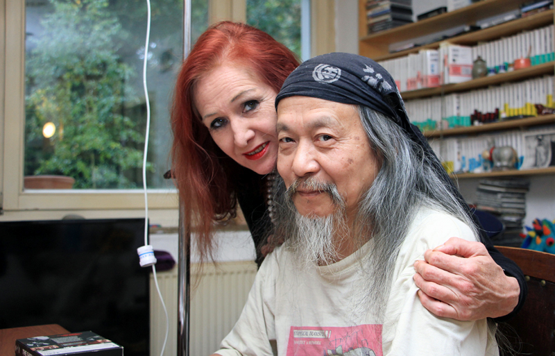 Damo Suzuki (right) at home with partner Elke Morsbach