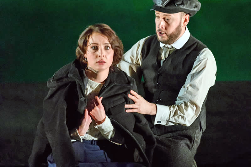 Katie Bray as Varvara and Alexander Sprague as Kudryash in Opera North's Katya Kabanova (Photo credit: Jane Hobson)