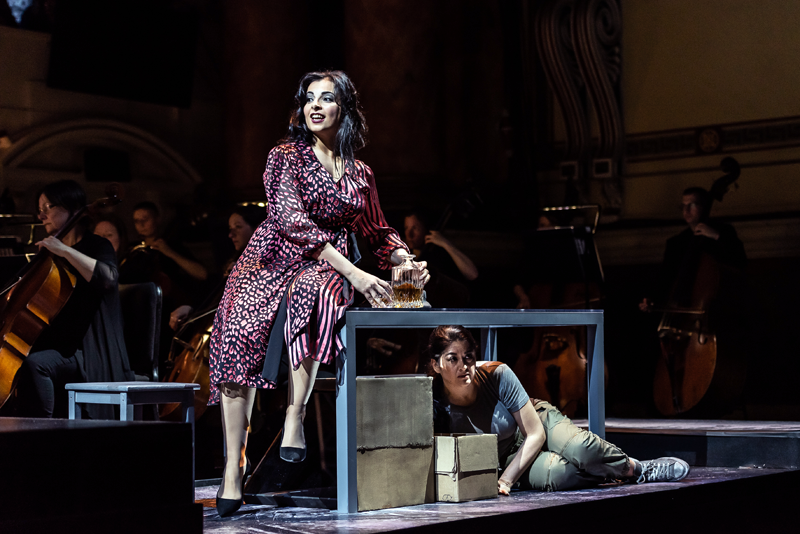 Alessandra Volpe as Amneris and Alexandra Zabala as Aida [Photo credit: Clive Barda]